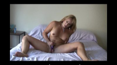 Bigtits mom Bliss in the bedroom with her kinky toy