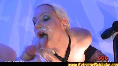 BBW gets fucked after sucking