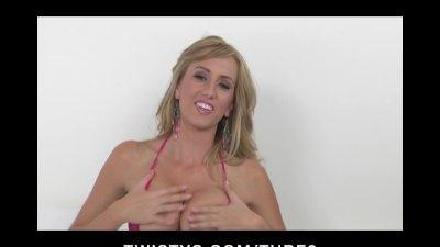 Bigtit blonde bikini clad babe Brett Rossi plays with vibrator