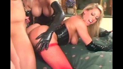 Threesome with blondes in latex and stockings