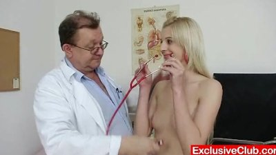 Slim blonde Mia Hilton kinky vagina medical exam