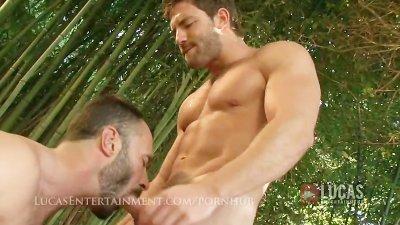 Hung straight gardner fucks gay jock