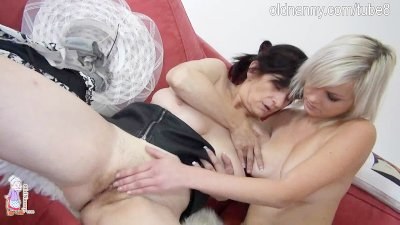 Hot old granny in hat and sexy