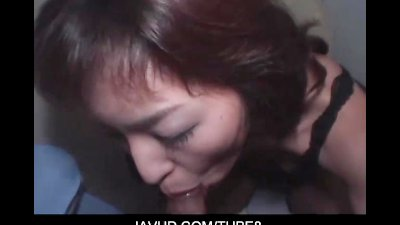 Mature asian chick opens her m