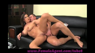 FemaleAgent. New agent and her