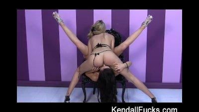 Kendall And Brett Rossi Finger Licking Goood
