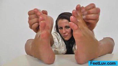 Brunette Ella nylon feet