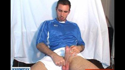 Sport guy serviced in spite of him !