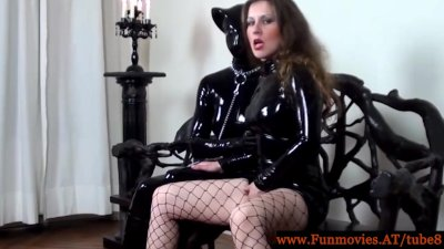 video-porno-lateks-kozha-lesbiyanki