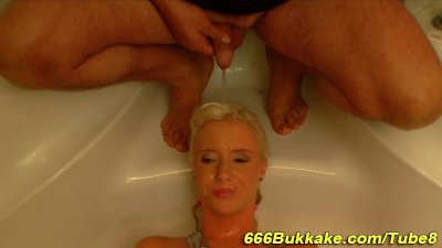 Golden piss fetish slut