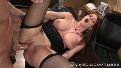 Brooklyn Chase fucks an up and