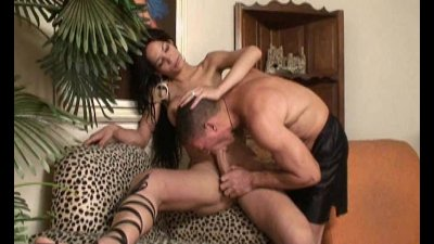 Guy Sucking Yummy Shemales Dick