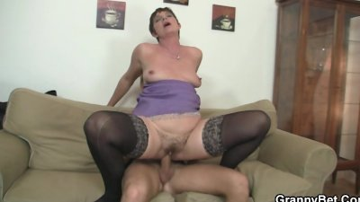 Old chick jumping on his big meat