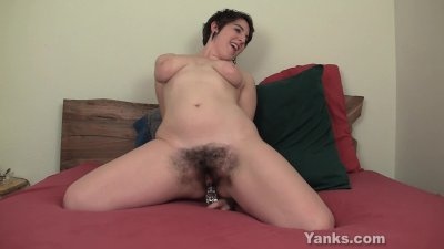 Chesty Amber Toying Her Hairy