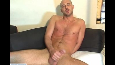 Dave, a real straight guy gets wanked his big dick by a guy !