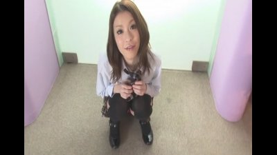 Hot teen Nao Kojima gives a wild footjob