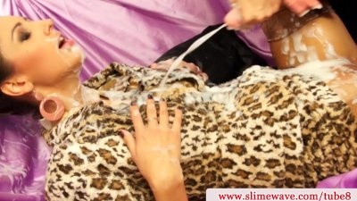 Kitty Jane abd Alyssia Loop creamy fun