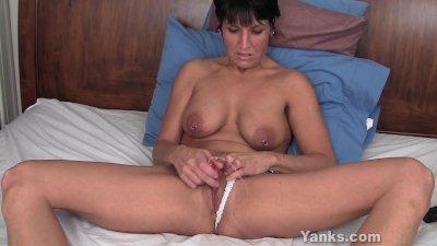Hot Milf Kassandra Vibrating Her Pierced Pussy