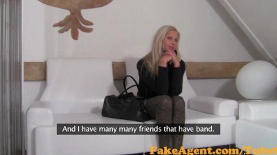 FakeAgent Extremely hot blonde