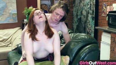 Girls Out West - Hairy amateur pussy licked and drilled at home
