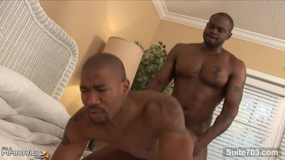 Black married male gets nailed by a gay