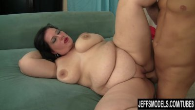 Beautiful BBW Becki Butterfly is fucked and eats cum