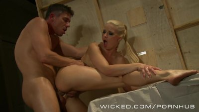 Wicked - Anikka Albrite does anal in hot leather pants