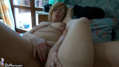 Fat chubby women havebig fun with and without a dildo