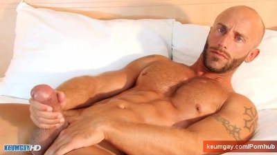 French sport guy serviced: Aymeric get wanked his huge cock by us!