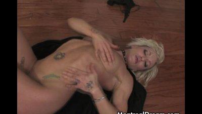 Blonde babe masturbating using her finger