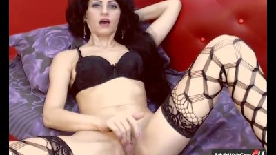 Alexa2Sexy4U you decide as she plays with her pussy