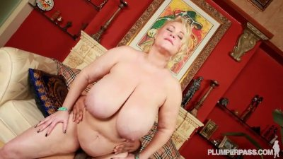 BBW Superstar Samantha 38G Fuc