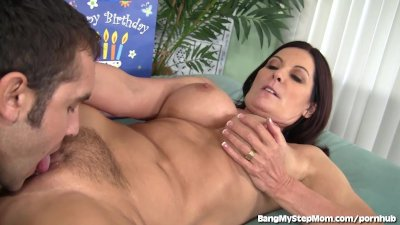 Insatiable MILF Goes Crazy For