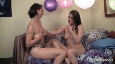 Amateur Lesbians Belle And Mus