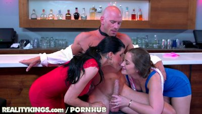 Reality Kings - Two hot chicks fuck bartender