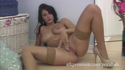 Roxy does a slow masturbation in lingerie