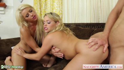 Blondes Anikka Albrite and Mia