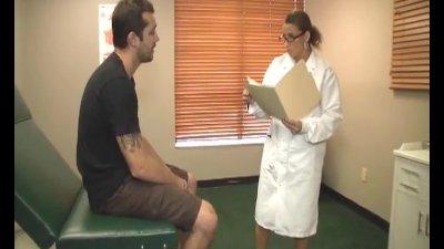 Busty doctor heals a huge bone