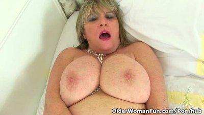 British granny Alisha Rydes lo