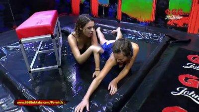 Playful Piss lovers Ani Black Fox and Luisa - 666Bukkake