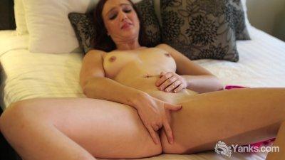 Attractive Anne Masturbating Her Pussy