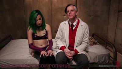 Hot Alt Girl Teaches Self-Bond