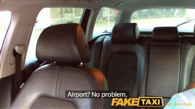 FakeTaxi Taxi driver fucks par